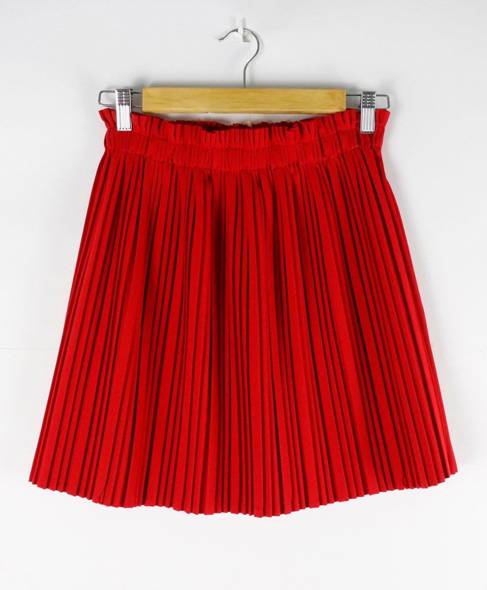 Falda Roja Plisada