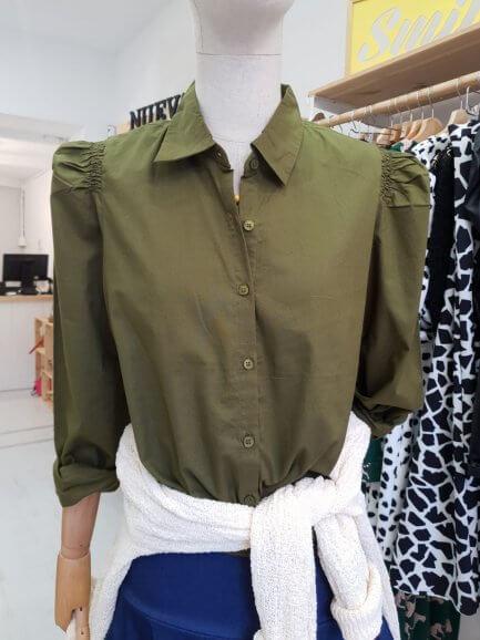 Camisa verde Caza frunce