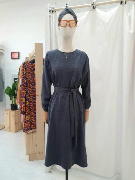 Vestido azul grisáceo midi