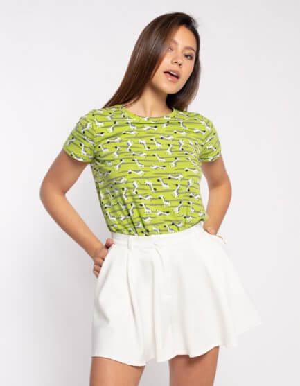 Camiseta verde con estampado de cebras